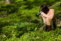 kvinnligfotograf Arkivfoto