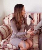 kvinnligintervjuare Arkivfoton