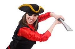 Kvinnlign piratkopierar det hållande svärdet som isoleras på vit Arkivfoto