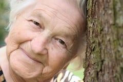 kvinnligpensionär Royaltyfri Fotografi