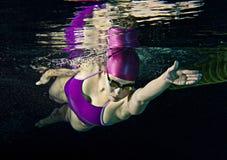 kvinnligsimmare Fotografering för Bildbyråer
