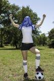 kvinnligspelarefotboll royaltyfri foto