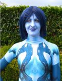Kvinnligt cosplay för blå Avatar Mcm-komiker lurar London royaltyfria bilder