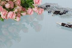 Kvinnligt kontorsskrivbord Royaltyfri Foto