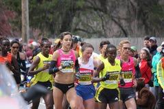 kvinnor för boston maratonlöpare Arkivbild