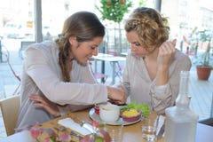 kvinnor för restaurang två Arkivbild
