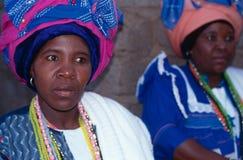 Kvinnor i headress i Sydafrika Royaltyfri Foto