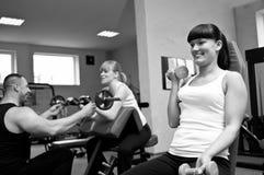 Kvinnor i idrottshall Royaltyfria Bilder