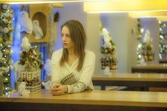 Kvinnor i jultid Fotografering för Bildbyråer