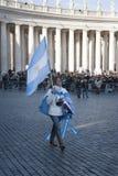 Kvinnor med den argentinian flaggan Arkivfoton
