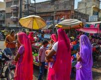 Kvinnor på den Ghanta Ghar marknaden royaltyfri bild