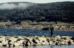 Kvinnor på sjön royaltyfri foto