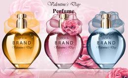 Kvinnor parfymerar färgrika dofter för flaskuppsättningsamling Realistiska förpackande designer för vektorprodukt Arkivbilder