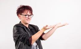 Kvinnor som framlägger något Fotografering för Bildbyråer