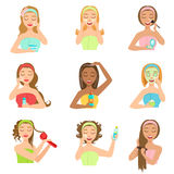 Kvinnor som gör försköna hår- och hudSpa tillvägagångssätt Arkivbild