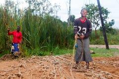 Kvinnor som ordnar rep Fotografering för Bildbyråer