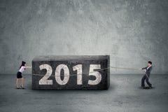 Kvinnor som tar bort affärshinder till 2015 Arkivfoto