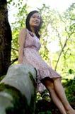 Kvinnor tycker om solsken Royaltyfria Foton