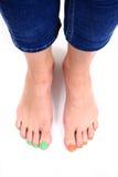 Kvinnors ben med trevligt spikar (pedikyren) Arkivbilder