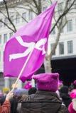 Kvinnors demonstration för jämställdhet i Zurich på kvinnors dag 2017 Royaltyfria Foton
