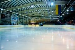 Kvinnors hockey i Ukraina royaltyfria foton
