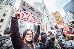 Kvinnors mars 2017 NYC Arkivbild