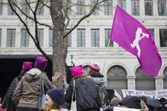 Kvinnors marsch av jämställdhet i Zurich på 8th mars Arkivfoton