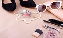 Kvinnors modetillbehör och skönhetsmedel Royaltyfri Fotografi