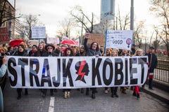 Kvinnors Strajk Kobiet för protest` ` på kvinnas dag mot den polska regeringen PIS Royaltyfri Fotografi