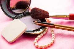 Kvinnors tillbehör - kosmetisk bakgrund Royaltyfri Foto