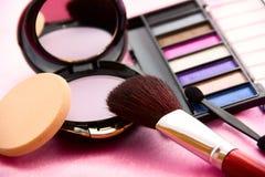 Kvinnors tillbehör - kosmetisk bakgrund Arkivfoton
