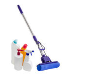 Kwacz z klamerką, gąbka i butelki cleaning agenci Fotografia Stock