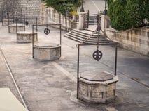 Kwadrat Pięć studni Trg zwierzęcia domowego bunara w Zadar, Chorwacja obraz royalty free