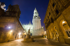 Kwadrat Praterias i Katedralny Dzwonkowy wierza w Santiago De Com Zdjęcia Royalty Free