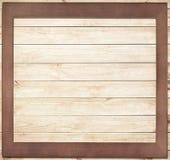Kwadratowa drewniana rama na drewnianym tle Zdjęcie Royalty Free