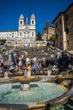 Kwadratowy piazza Di Spagna, fontanny Fontana della Barcaccia w Rzym Zdjęcia Royalty Free