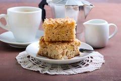 Kwadraty jabłczany kawowy tort Fotografia Stock