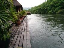 Kwae del fiume al kanchanaburi Immagine Stock
