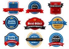 Kwaliteit en waarborg vlakke etiketten met heraldisch stock illustratie