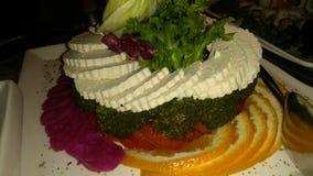 Kwark en broccolicarpacio stock afbeeldingen