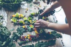 Kwiaciarnia robi kwiat dekoraci zdjęcia royalty free