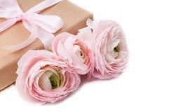 kwiatów prezenta menchii faborek wiążący Obrazy Stock
