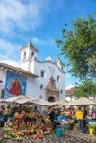 Kwiatów sprzedawcy w Cuenca, Ekwador obrazy stock