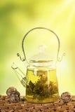 Kwiatonośna herbata w teapot Obraz Stock