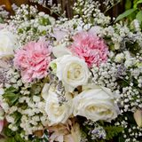 Kwiatu bukiet układa dla dekoraci w ślubnej ceremonii Obraz Stock