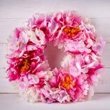 Kwiatu dekoracyjny wianek dla dekorować wnętrze Projektant dekoracja dla drzwi lub domu Fotografia Stock