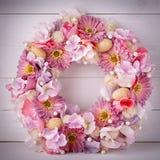 Kwiatu dekoracyjny wianek dla dekorować wnętrze Projektant dekoracja dla drzwi lub domu Zdjęcie Royalty Free