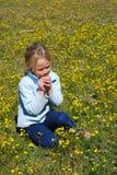kwiatu dziewczyny target28_0_ zdjęcie stock