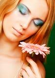 kwiatu gerber kobieta zdjęcie stock