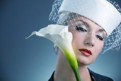 kwiatu kala biała kobieta zdjęcia stock